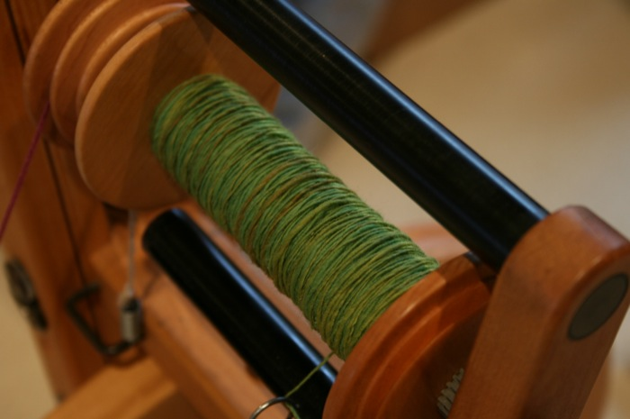 spinning singles on the bobbin